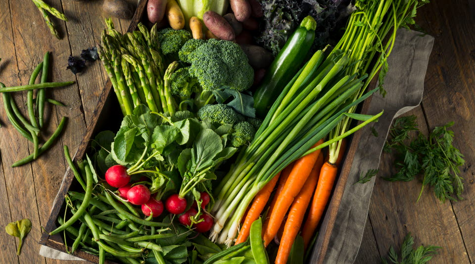Grönsaker i trälåda