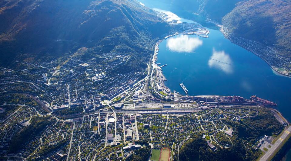 Vy över Narvik från luften